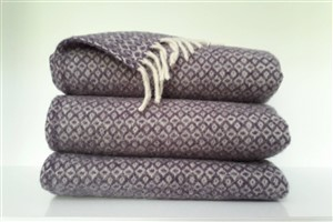 Wool Clothes - Rug Colleciton - Diamond pattern wool lilac blanket
